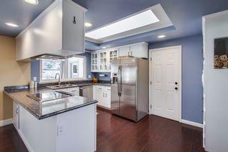Photo 10: VISTA House for sale : 4 bedrooms : 1668 Alta Vista