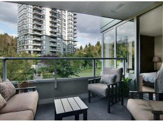 "Photo 12: 206 295 GUILDFORD Way in Port Moody: North Shore Pt Moody Condo for sale in ""THE BENTLEY"" : MLS®# V1084423"