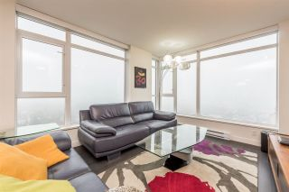 "Photo 5: 2401 608 BELMONT Street in New Westminster: Uptown NW Condo for sale in ""VICEROY ""BY BOSA"""" : MLS®# R2159779"