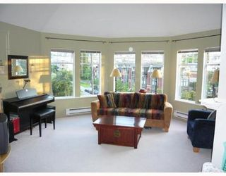 Photo 1: 401 1989 West 1st Avenue in Maple Court: Kitsilano Home for sale ()  : MLS®# V710841