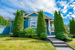 """Photo 3: 14708 31A Avenue in Surrey: Elgin Chantrell House for sale in """"HERITAGE TRAILS"""" (South Surrey White Rock)  : MLS®# R2596097"""