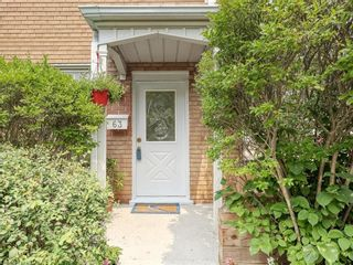 Photo 2: 63 1220 ROYAL YORK Road in London: North L Residential for sale (North)  : MLS®# 40141644