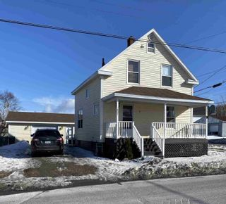 Photo 1: 604 King Street in New Waterford: 204-New Waterford Residential for sale (Cape Breton)  : MLS®# 202104281