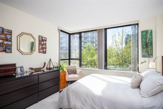"""Photo 16: 403 151 W 2ND Street in North Vancouver: Lower Lonsdale Condo for sale in """"SKY"""" : MLS®# R2389638"""