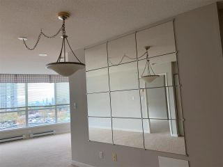 Photo 2: 806 6088 WILLINGDON Avenue in Burnaby: Metrotown Condo for sale (Burnaby South)  : MLS®# R2583069