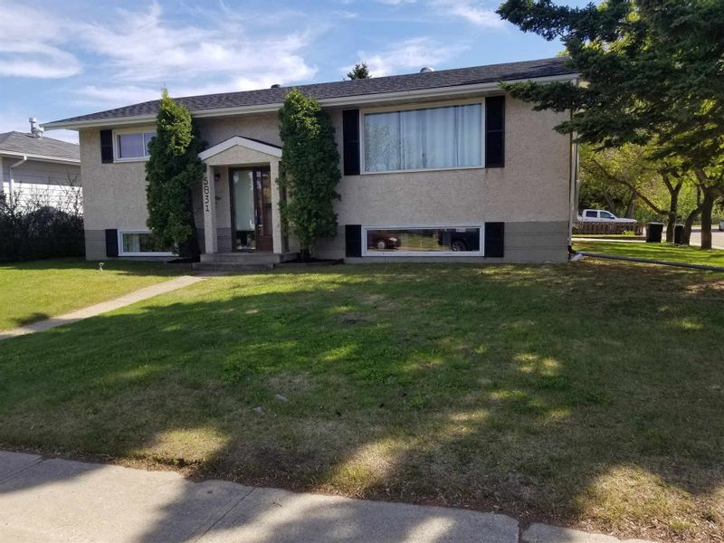 FEATURED LISTING: 5831 50 Avenue Redwater