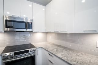 """Photo 8: 502 22315 122 Avenue in Maple Ridge: East Central Condo for sale in """"The Emerson"""" : MLS®# R2408588"""