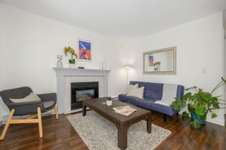 """Photo 3: 306 2133 DUNDAS Street in Vancouver: Hastings Condo for sale in """"Harbour Gate"""" (Vancouver East)  : MLS®# R2614513"""