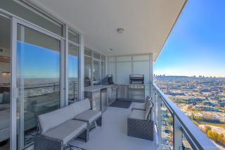 """Photo 14: 4202 4485 SKYLINE Drive in Burnaby: Brentwood Park Condo for sale in """"ALTUS AT SOLO"""" (Burnaby North)  : MLS®# R2316432"""