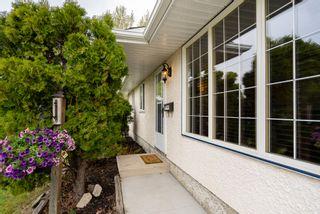 Photo 2: 22 Farnham Road in Winnipeg: Southdale House for sale (2H)  : MLS®# 202112010