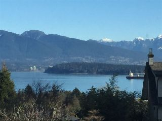 """Photo 16: 4541 W 3RD Avenue in Vancouver: Point Grey House for sale in """"NORTH OF 4TH WEST POINT GREY"""" (Vancouver West)  : MLS®# R2352886"""