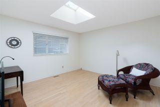 """Photo 19: 3726 SOUTHRIDGE Place in West Vancouver: Westmount WV House for sale in """"Westmount Estates"""" : MLS®# R2553724"""