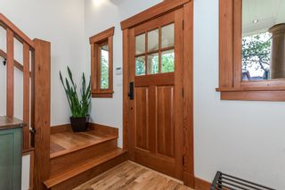 """Photo 16: 1559 E 20TH Avenue in Vancouver: Knight House for sale in """"GIBSON CLOSE"""" (Vancouver East)  : MLS®# R2089733"""