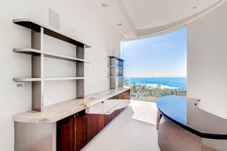 Photo 11: Residential for sale : 5 bedrooms :  in La Jolla