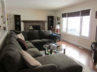 Photo 3: 1427 55 Street: Edson House for sale : MLS®# 32682