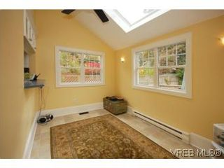 Photo 10: 1044 Redfern St in VICTORIA: Vi Fairfield East House for sale (Victoria)  : MLS®# 518219