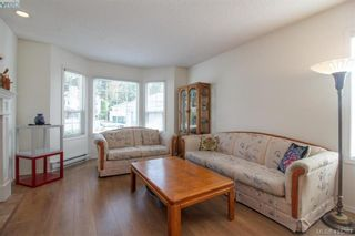 Photo 2: 8 709 Luscombe Pl in VICTORIA: Es Esquimalt House for sale (Esquimalt)  : MLS®# 825765