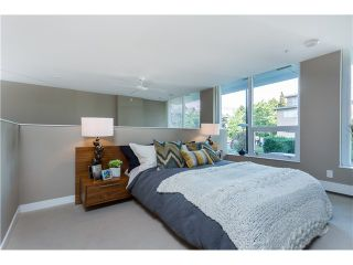Photo 11: 1641 EASTERN AV in North Vancouver: Central Lonsdale Condo for sale : MLS®# V1131794
