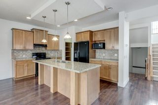 Photo 9: 2 WEST CEDAR Place SW in Calgary: West Springs Detached for sale : MLS®# C4286734