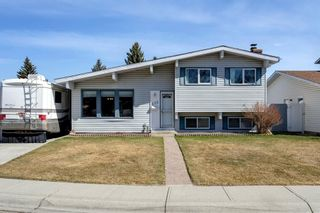 Main Photo: 235 Queen Charlotte Place SE in Calgary: Queensland Detached for sale : MLS®# A1094848