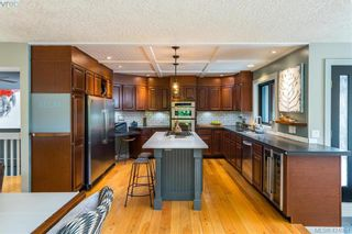 Photo 6: 2880 Leigh Rd in VICTORIA: La Langford Lake House for sale (Langford)  : MLS®# 837469