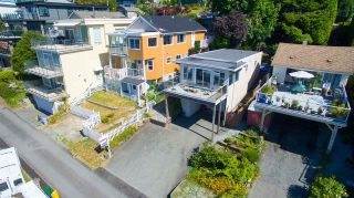 Photo 4: 15310 VICTORIA Avenue: White Rock House for sale (South Surrey White Rock)  : MLS®# R2065833