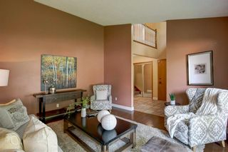 Photo 5: 131 Strathbury Bay SW in Calgary: Strathcona Park Detached for sale : MLS®# A1130947