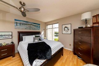 """Photo 17: 2201 33 CHESTERFIELD Place in North Vancouver: Lower Lonsdale Condo for sale in """"Harbourview Park"""" : MLS®# R2549622"""