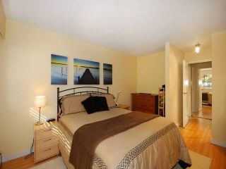 """Photo 8: 108 175 E 5TH Street in North Vancouver: Lower Lonsdale Condo for sale in """"WELLINGTON MANOR"""" : MLS®# V1121964"""