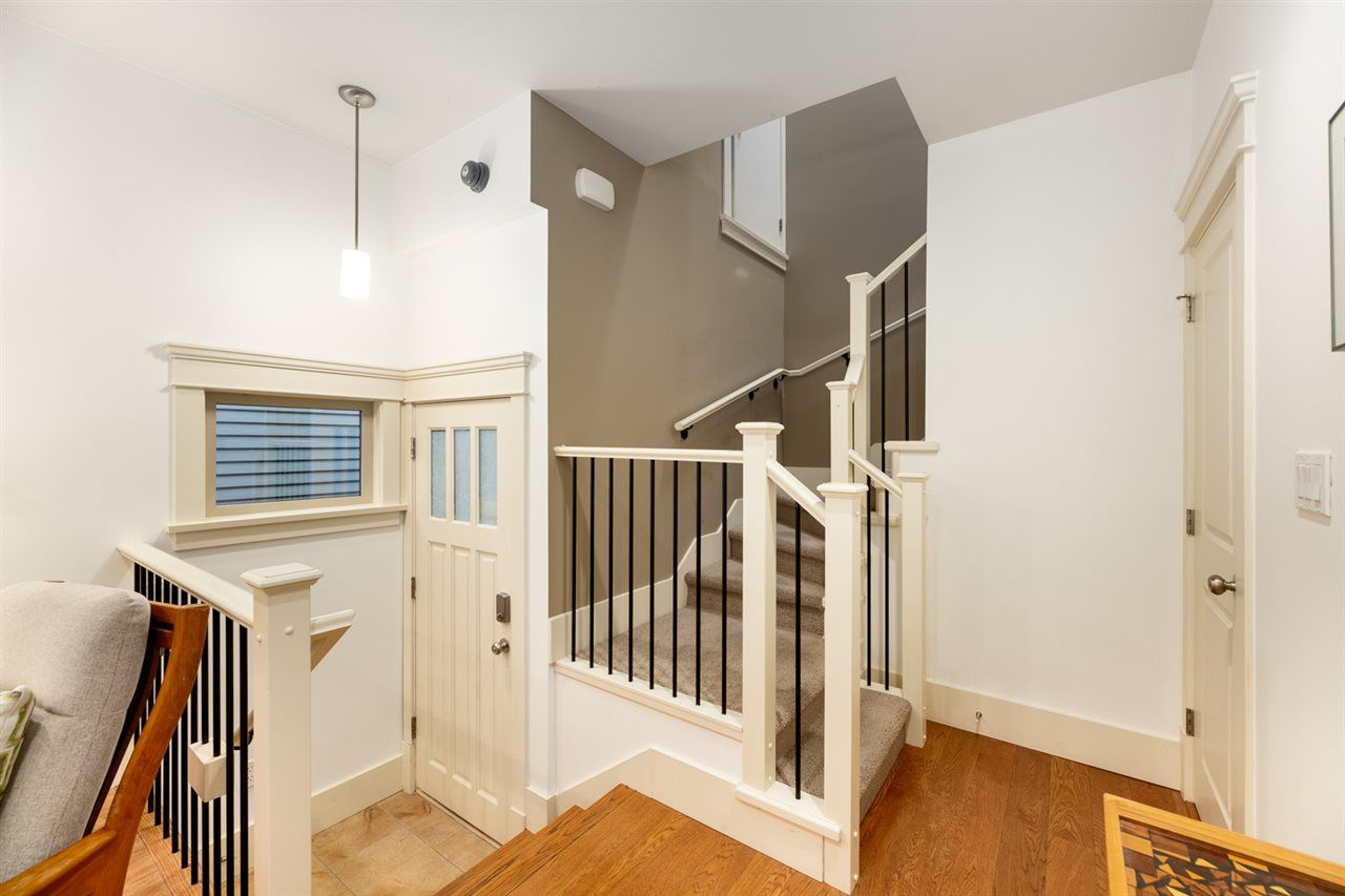 Photo 9: Photos: 1522 GRAVELEY STREET in Vancouver: Grandview Woodland Townhouse for sale (Vancouver East)  : MLS®# R2407954