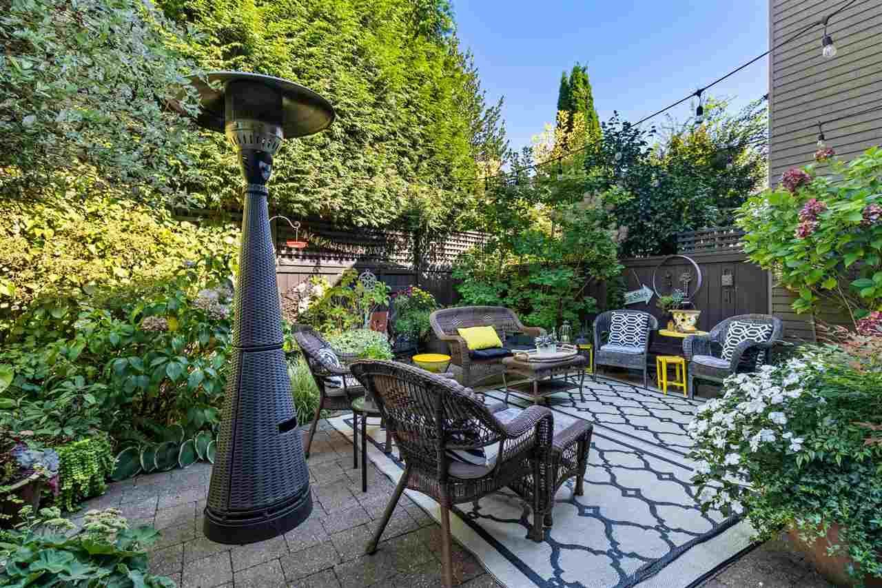 """Main Photo: 6 4350 VALLEY Drive in Vancouver: Quilchena Townhouse for sale in """"Quilchena Estates"""" (Vancouver West)  : MLS®# R2579160"""