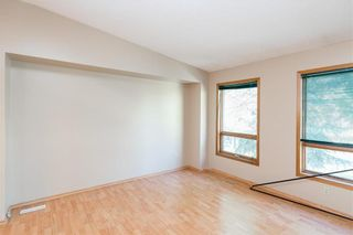 Photo 4: 557 Ashworth Street South in Winnipeg: River Park South Residential for sale (2F)  : MLS®# 202121962
