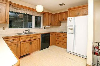 Photo 18: 6937 LEASIDE Drive SW in Calgary: Lakeview Detached for sale : MLS®# C4225645