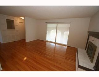Photo 5:  in CALGARY: Huntington Hills Residential Detached Single Family for sale (Calgary)  : MLS®# C3377942
