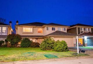 Photo 2: 9177 EVANCIO Crescent in Richmond: Lackner House for sale : MLS®# R2536126