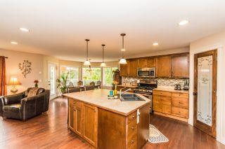 Photo 5: 721 Southeast 37 Street in Salmon Arm: Little Mountain House for sale (SE Salmon Arm)  : MLS®# 10115710