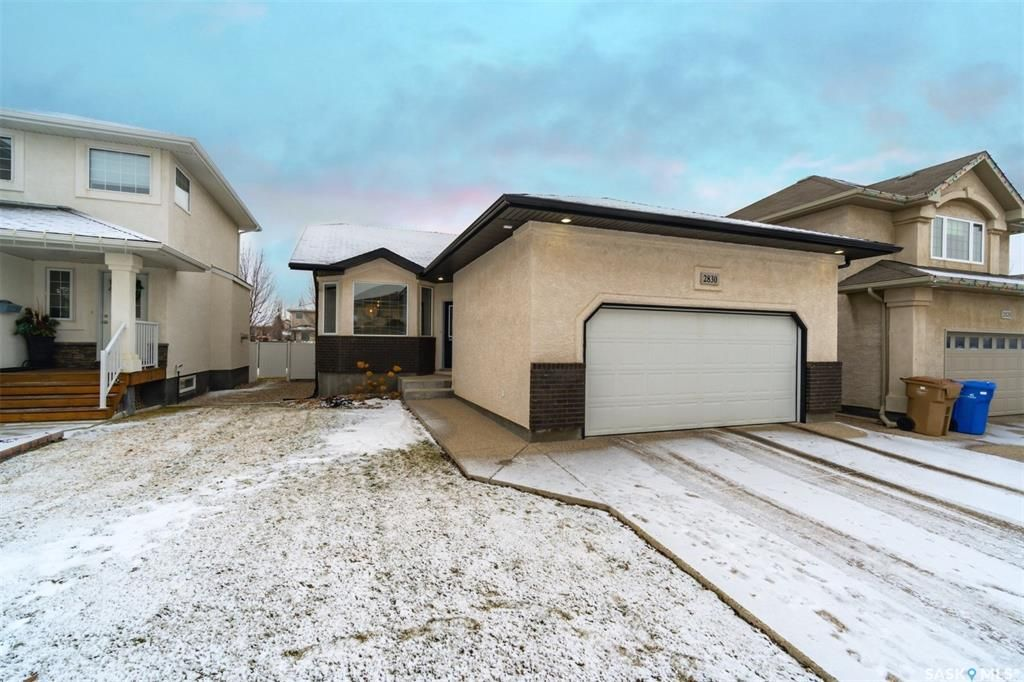 Main Photo: 2830 Sunninghill Crescent in Regina: Windsor Park Residential for sale : MLS®# SK796142