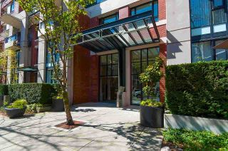 """Photo 10: 2203 977 MAINLAND Street in Vancouver: Yaletown Condo for sale in """"Yaletown Park III"""" (Vancouver West)  : MLS®# R2312985"""