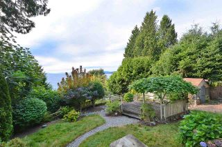 Photo 11: 4957 SUNSHINE COAST HIGHWAY in Sechelt: Sechelt District House for sale (Sunshine Coast)  : MLS®# R2496030