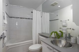 "Photo 17: 112 DUNSMUIR Street in Vancouver: Downtown VW Townhouse for sale in ""Spectrum 4"" (Vancouver West)  : MLS®# R2437895"