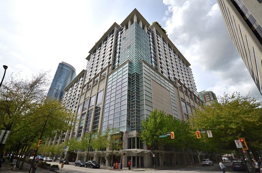 """Main Photo: 1920 938 SMITHE Street in Vancouver: Downtown VW Condo for sale in """"ELECTRIC AVENUE"""" (Vancouver West)  : MLS®# R2612636"""