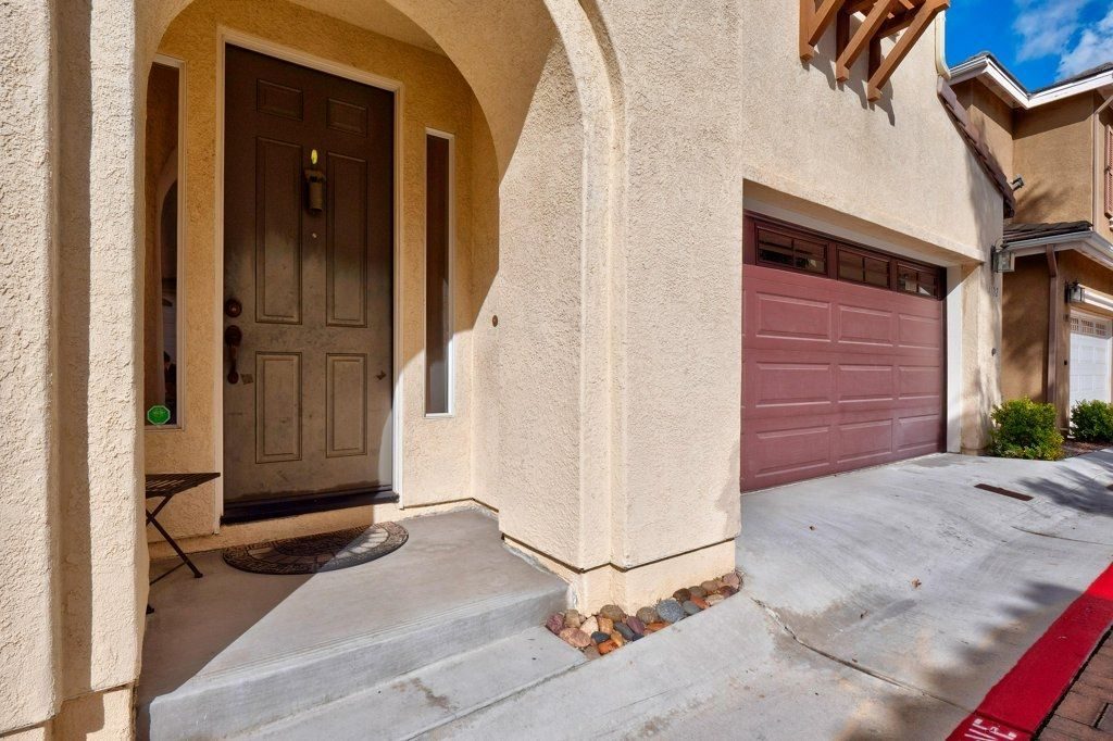 Photo 2: Photos: NATIONAL CITY House for sale : 3 bedrooms : 4102 Verde View