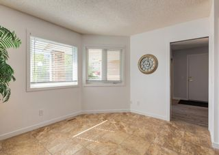 Photo 15: 42 140 Strathaven Circle SW in Calgary: Strathcona Park Semi Detached for sale : MLS®# A1146237