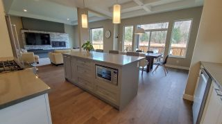 """Photo 4: 39260 CARDINAL Drive in Squamish: Brennan Center House for sale in """"Brennan Center"""" : MLS®# R2545288"""
