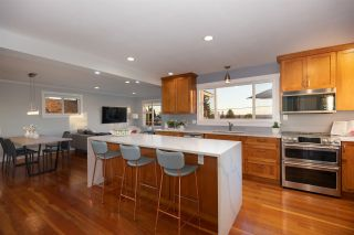 Photo 2: 547 E 6TH STREET in North Vancouver: Lower Lonsdale House for sale : MLS®# R2515928