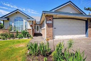 "Photo 3: 7903 164 Street in Surrey: Fleetwood Tynehead House for sale in ""Hazelwood"" : MLS®# R2594558"