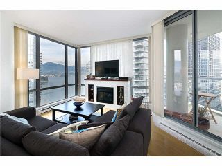 """Photo 5: 2101 1228 W HASTINGS Street in Vancouver: Coal Harbour Condo for sale in """"Palladio"""" (Vancouver West)  : MLS®# R2568240"""