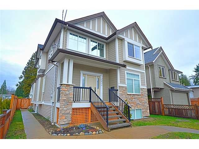 """Main Photo: 2431 KITCHENER Avenue in Port Coquitlam: Woodland Acres PQ House for sale in """"WOODLAND ACRES"""" : MLS®# V1103890"""