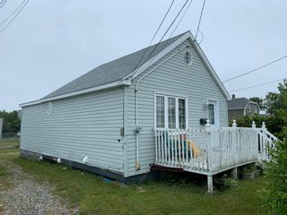 Photo 2: 1009 Main Street in Glace Bay: 203-Glace Bay Residential for sale (Cape Breton)  : MLS®# 202118689
