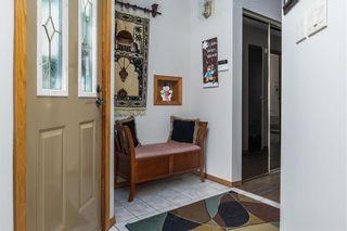 Photo 3: 109 Greendell Avenue in Winnipeg: Residential for sale (2C)  : MLS®# 202000545